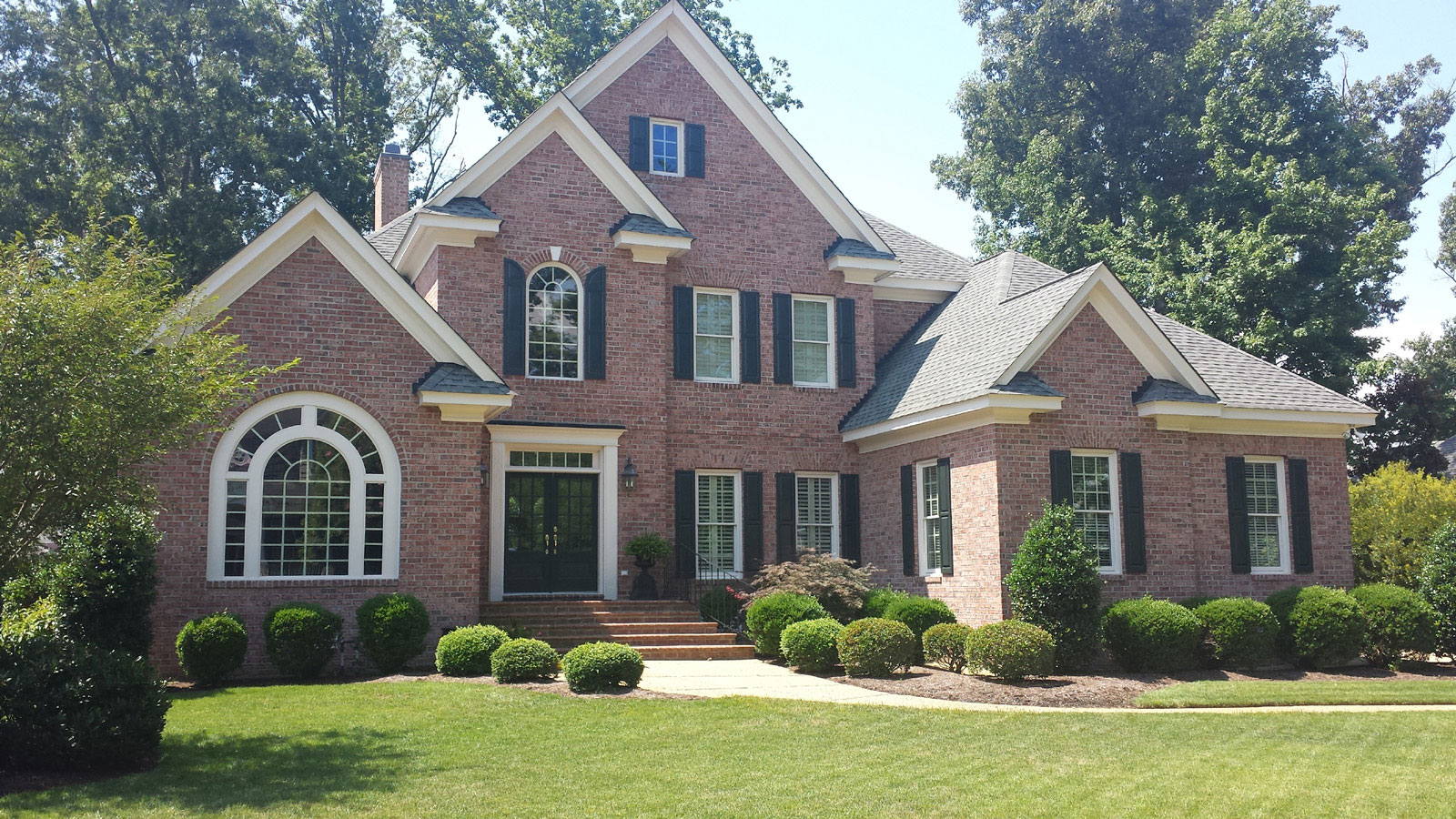 New & replacement roofing by R.A. Woodall & Son Construction - Williamsburg VA